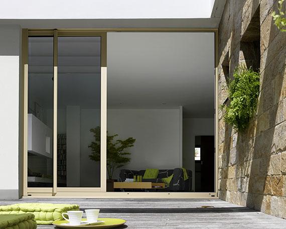 pose de fen tre aluminium bois pvc fermetures et menuiseries. Black Bedroom Furniture Sets. Home Design Ideas