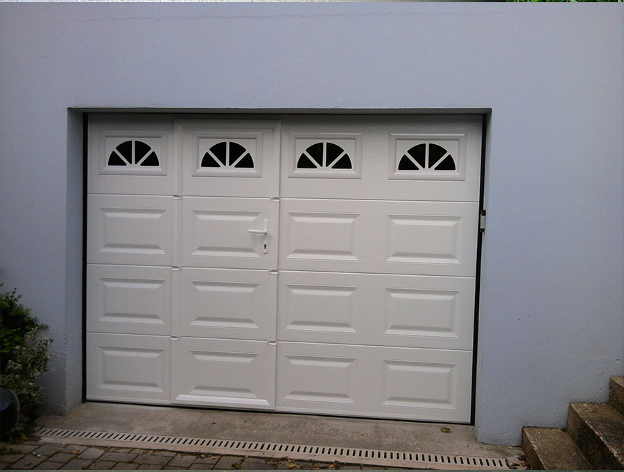 Pose de porte de garage autour de quimper audierne for Porte garage sectionnelle